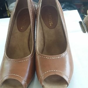 Leather shoes NWT